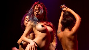 blackheart-burlesque-en-chile-portada-704x400