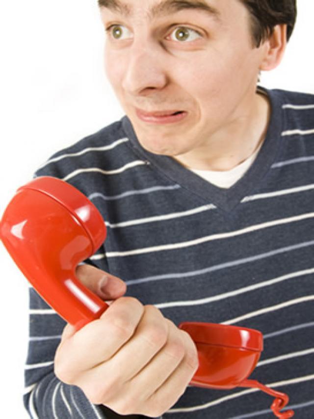 A-mi-tambien-me-llaman-el-telefono-fijo-y-me-preguntan-si-estoy-en-casa