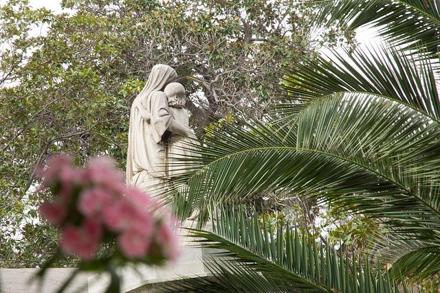 robo-de-estatuillas-del-cementerio-general-de-santiago