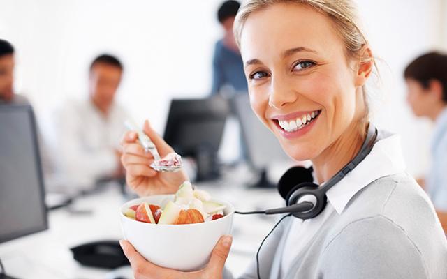 comer-saludable-y-realizar-deporte-claves-para-incrementar-la-productividad-laboral-01